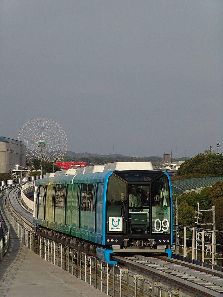 愛知高速交通100形電車